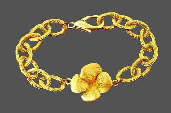 Pansy flower gold tone bracelet