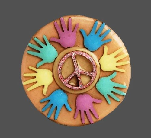 Peace pin. 4.5 cm. 1970s