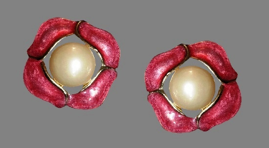 Pink faux pearl gold tone clip on earrings