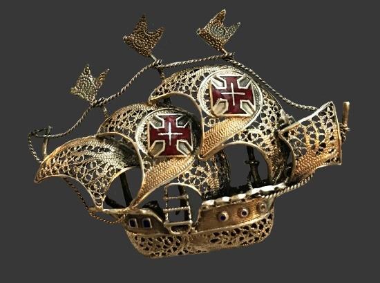 Pirate filigree wirework brooch. Sterling silver, enamel