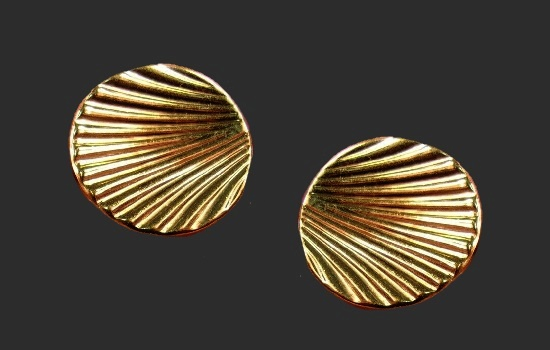 Seashell cufflinks of gold tone
