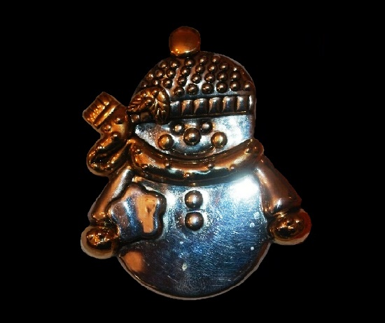 Snowman brooch pin. Gold and silver tone metal, enamel