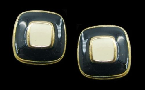 Square shaped earrings. Metal base, gold plated, enamel