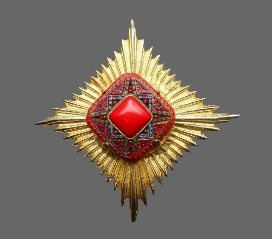 Starburst Pin. Gold tone metal, faux coral
