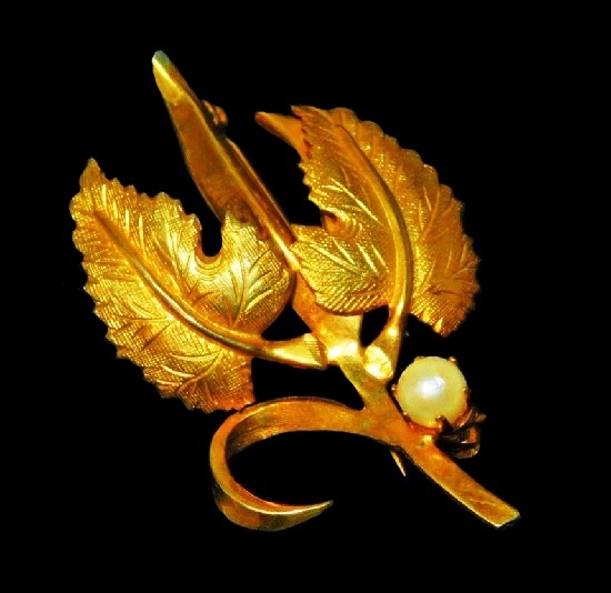 Vintage Gold Tone Leaves Faux Pearl Brooch Pin