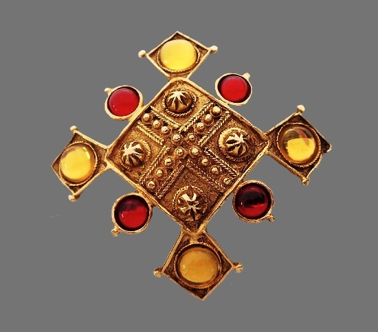 Vintage Maltese cross brooch. Gold tone, faux rubies, citrines, gold plated. 6.5 cm. 1950s