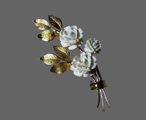 White carved roses gold leaf brooch. 1950s. 12 K gold filled