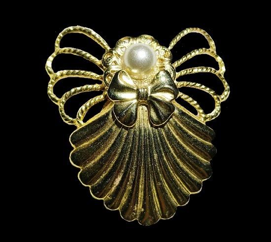 1997 Gold tone Angel Brooch
