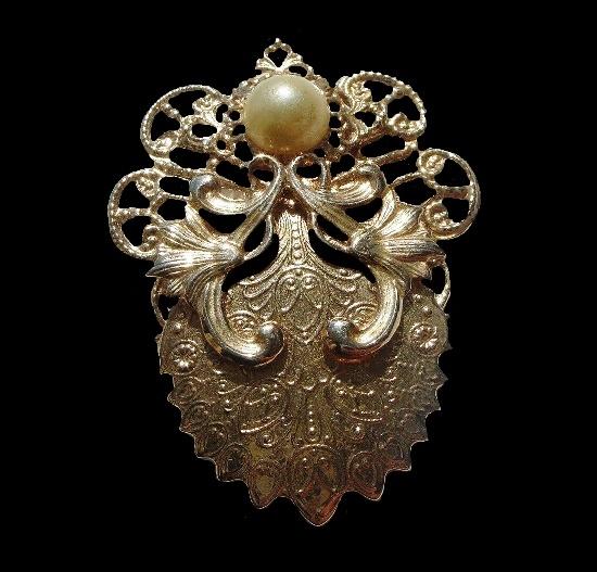 Angel filigree brooch pin, antique silver tone. 1990s