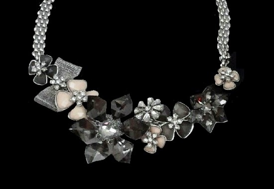 Beautiful floral design necklace. Silver tone, lucite, rhinestones, enamel