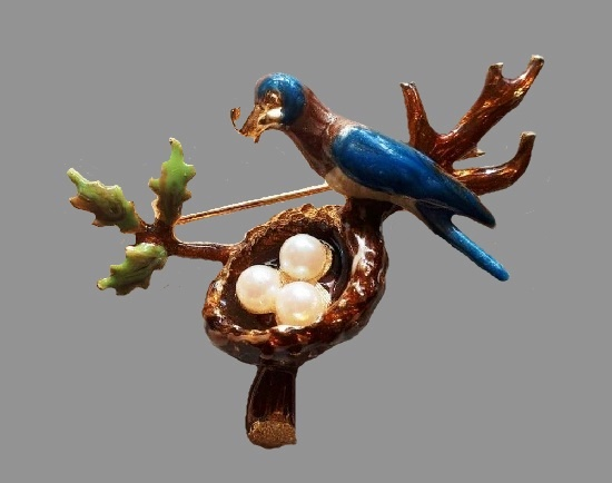 Bird and nest brooch. Gold tone metal, enamel, faux pearls