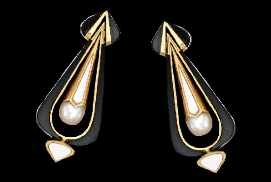 Blackened gold, 18 Karat Gold, Onyx, Mother-of-Pearl and Cultured Pearl Earclips