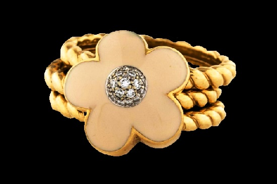 Bon Ton collection Pink quartz 18 K gold and diamonds ring