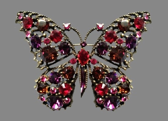 Butterfly brooch pin. Gold tone metal alloy, rhinestones. 1980s