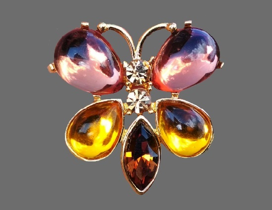 Butterfly brooch. Lucite, crystals, gold tone alloy. 4 cm
