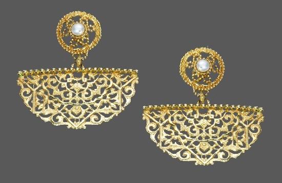 Byzantine Style drop earrings. Metal alloy, gold filled, faux pearls