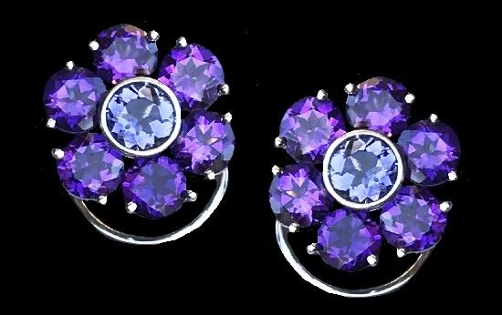 Diamond cut amethyst earrings of flower design, 18K White Gold