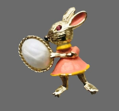 Easter bunny brooch pin. Gold tone, enamel, faux pearl. BJ signed