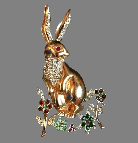 Easter bunny brooch. Gold tone metal, gold filled, crystals. Circa 1950
