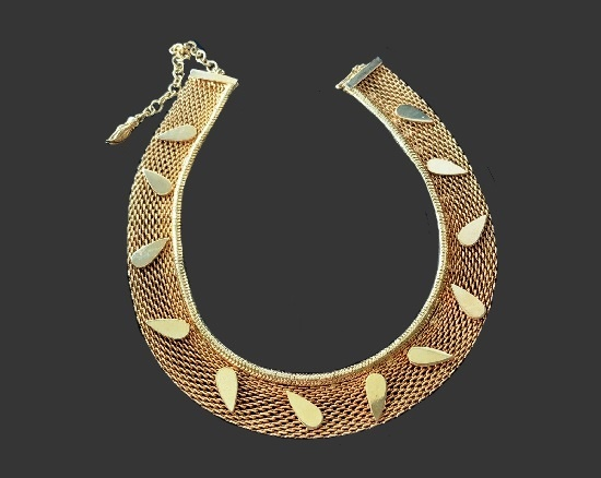 Egyptian style gold tone mesh necklace