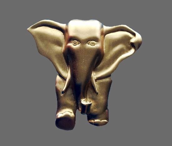 Elephant brooch pin of matte gold. 6.5 cm, 1980s