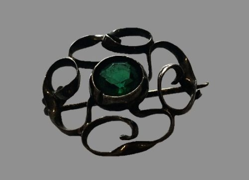 Emerald green cabochon sterling silver antique brooch