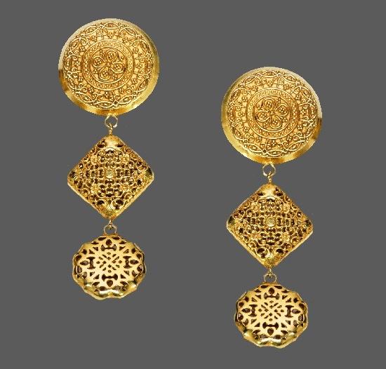 Etruscan style long dangle earrings. Gold tone metal, filigree. 1980s