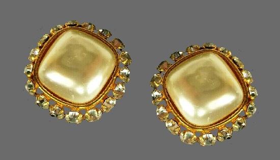 Faux pearl clear crystal earrings