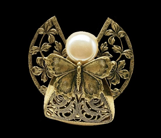 Filigree Angel brooch. Gold tone metal, faux pearl