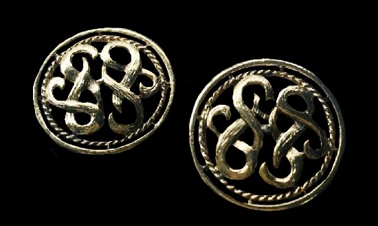 Filigree Buttons 0f ancient gold tone