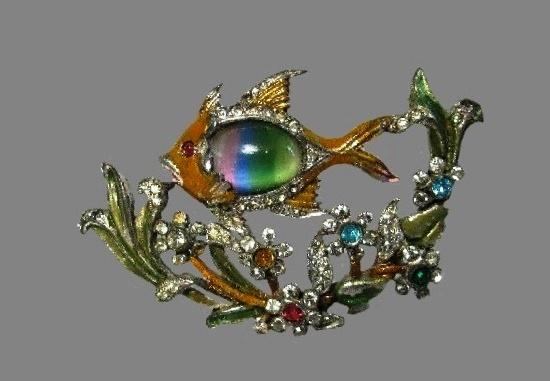 Fish enameled brooch. Metal alloy, art glass, crystals, rhinestones. 1940s