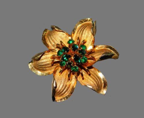 Flower brooch pin. 925 Sterling silver, 10 K gold plated, rhinestones