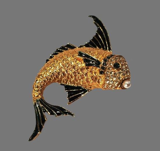 Gold Fish brooch. Gold tone, emarald green enamel, rhinestones, faux pearl