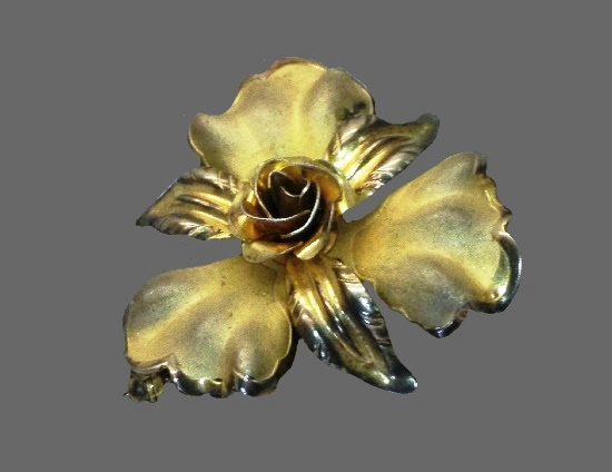 Gold plated sterling silver flower brooch pin
