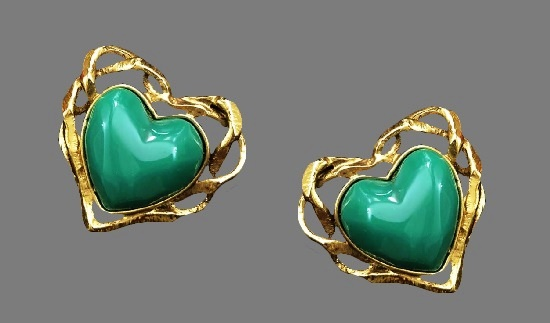 Green cabochon heart shaped gold filled clips. 4 cm
