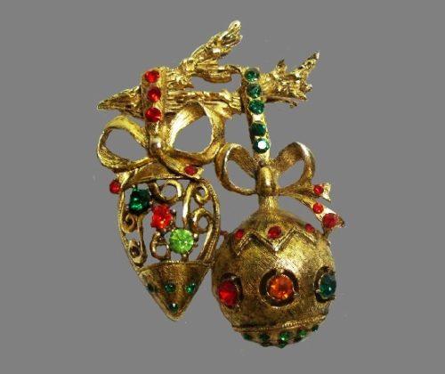 Hanging Christmas tree ornaments. Gold tone, rhinestones