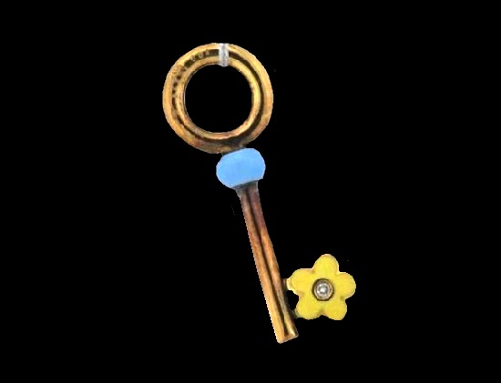 Key pendant. 18 K gold, enamel, diamond