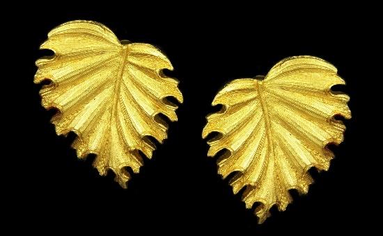 Leaf earrings. Textured gold tone metal. 1970s
