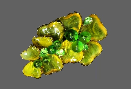 Light green clover brooch. Gold tone metal, lucite, art glass. 1950s