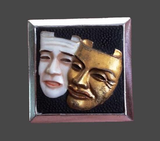 Masks tie pin clip. Gold tone metal, porcelain. 2 cm. 1950s