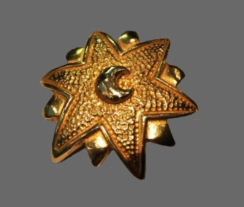 Moon and star gold tone textured metal brooch