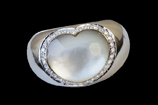 Mother of pearl white gold diamond heart shaped ring