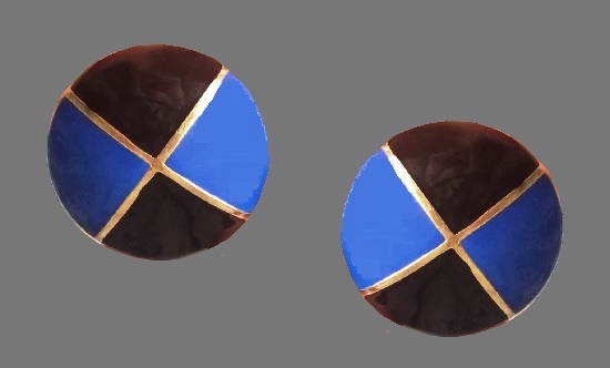 Navy blue and black round clips. Gold tone alloy, enamel. 4 cm, 1980s
