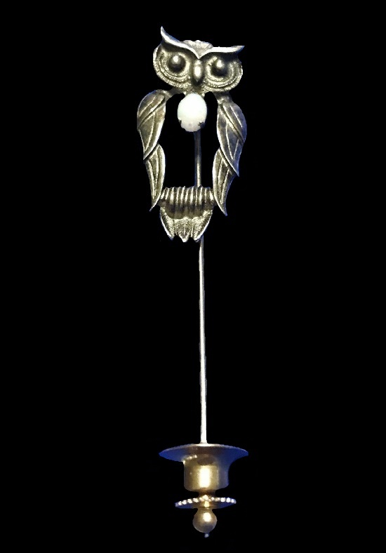 Owl stick pin. 925 Sterling silver, opal