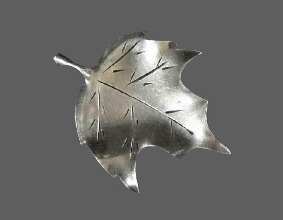 Pansy brooch. Sterling silver