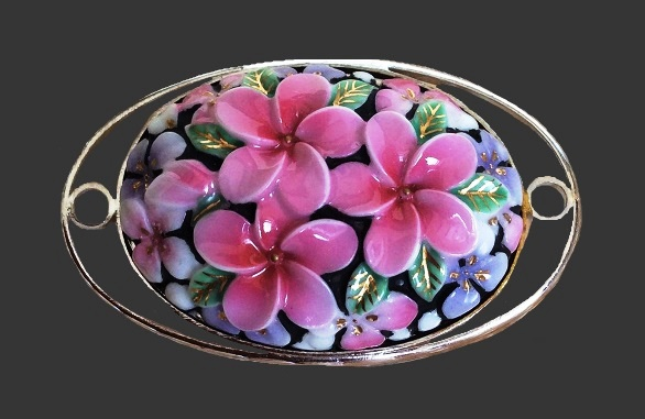 Pink cherry blossom oval shaped brooch. Sterling silver, handpainted porcelain. 2.5 cm. 1950s