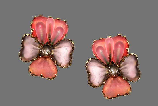 Pink lavender tone flower earrings. Pate De Verre glass, Mayorka petals