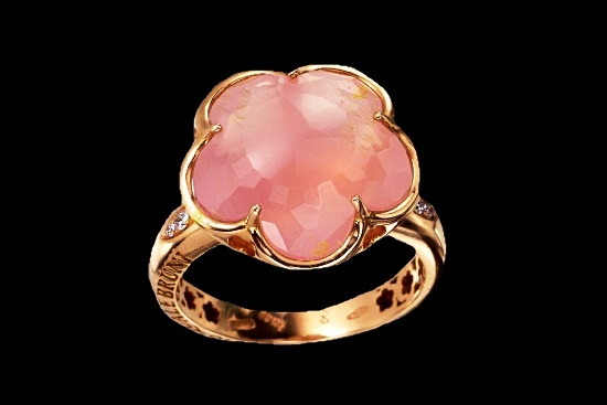 Pink quartz gold ring from the collection 'Bon Ton'