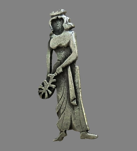 Roman woman with olive branch pin