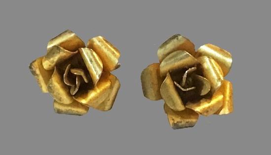 Rose Flower Screw Back Earrings. Sterling silver gold plated